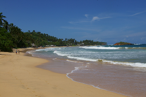 Sri-Lanka-Mirissa-Crescent-of-Beach